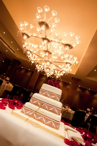 Wedding Cake by Photographer Syman Kaye The Mayfair Hotel London