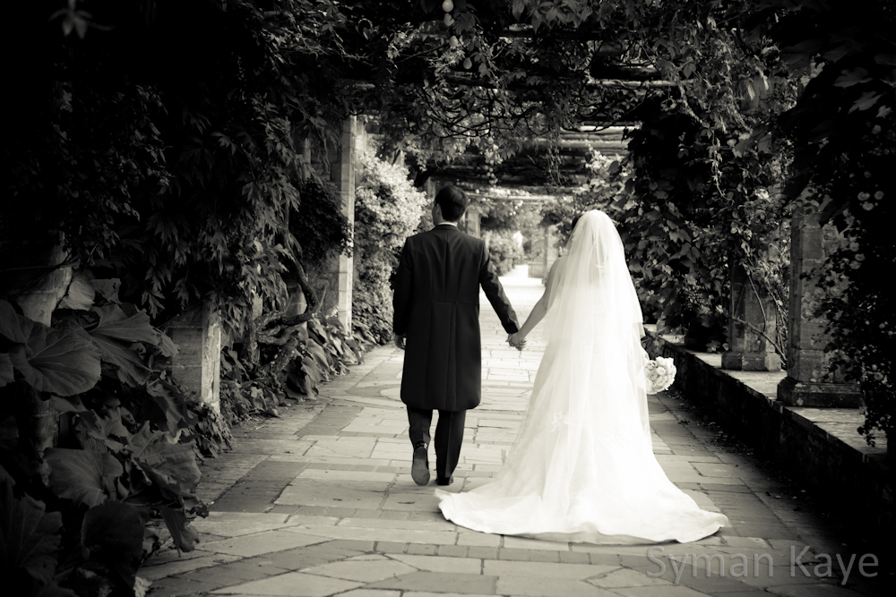Italian garden at Hever Castle Wedding Photographer