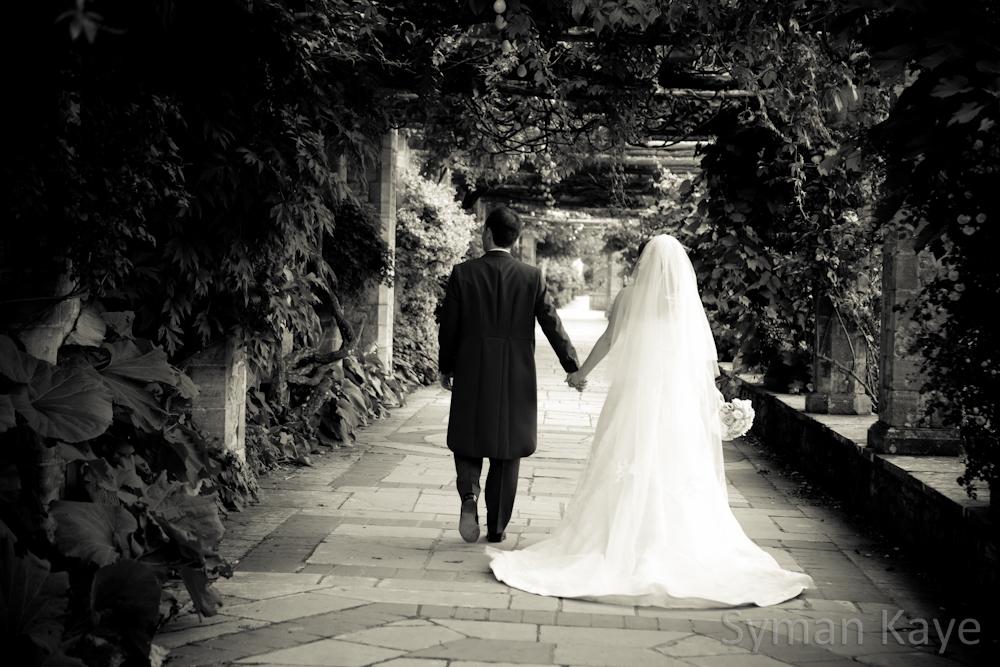 Italian garden at Hever Castle Wedding Photographer